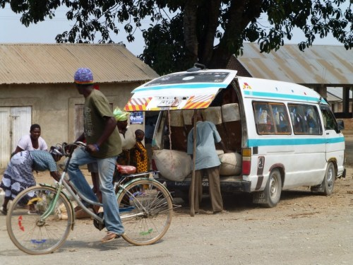 Cross Culture - Dala dala minibus Tanzania loading up